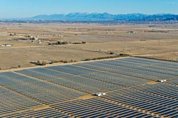 A Recurrent Energy solar PV farm in California's Mojave Desert. Planned West Texas installation would be similar to this. Photo: Recurrent Energy.